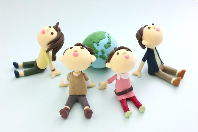 地球と男女