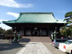拝観ガイドのあった護国寺本堂