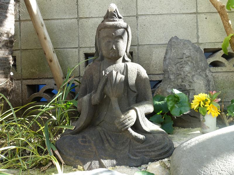 石仏の祈り